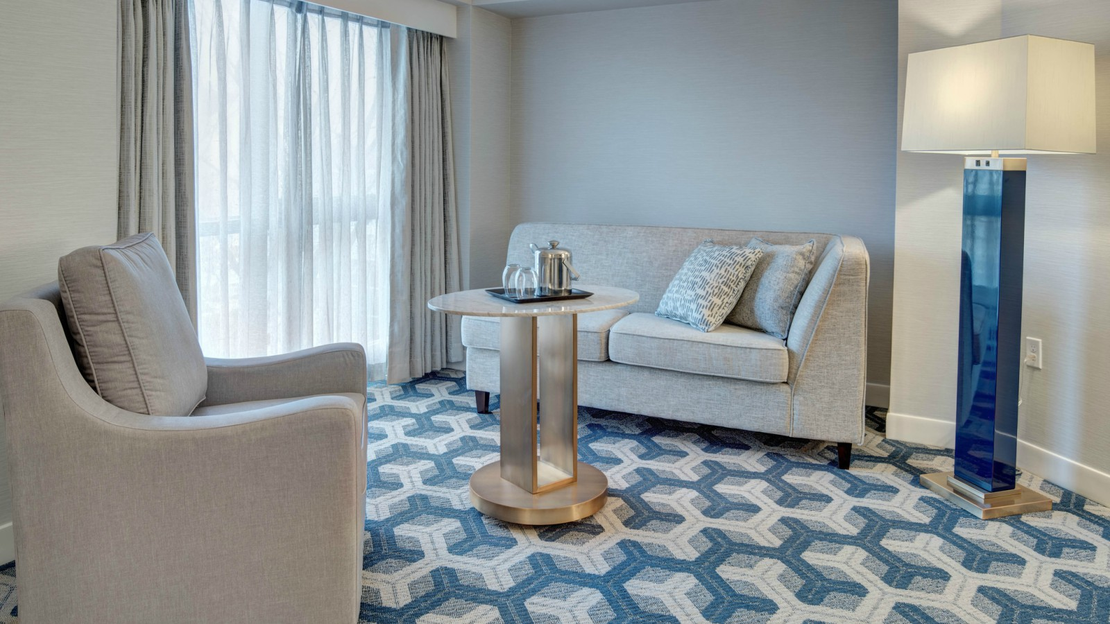 Deluxe Guest Room - Sheraton Eatontown Hotel